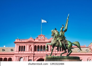 General Belgrano Statue faces Famous Balcony of Casa Rosada (Pink House) the executive mansion and office of the President of Argentina in Buenos Aires.