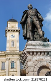 General Klapka statue and city hall, hungarian revolution and war of independence, Komarno, Slovakia
