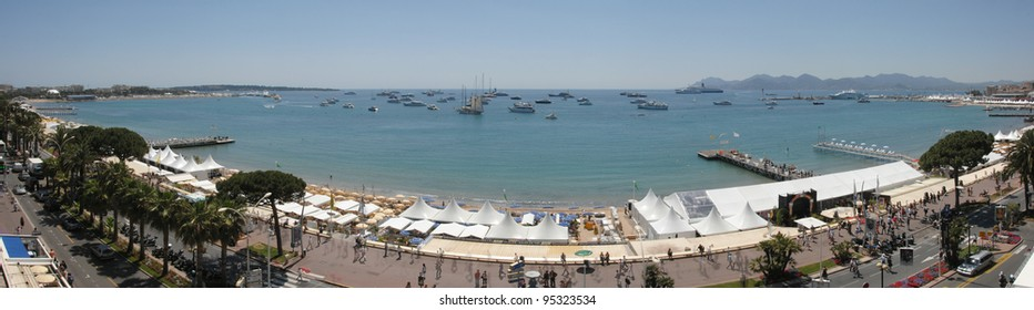General view of the Bay of Cannes and La Croisette from the roof of the Noga Hilton Hotel, Cannes at the 60th Annual International Film Festival de Cannes. May 18, 2007  Cannes, France.  2007 Paul Smith / Featureflash