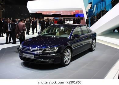 GENEVA - MARCH 3 : A  Volkswagen phaeton exclusive car show on display at 81th International Motor Show Palexpo-Geneva on March 3, 2010 in Geneva, Switzerland.