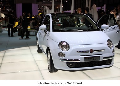 GENEVA - MARCH 7 : A FIAT 500 car on display at 79th International Motor Show Palexpo-Geneva on March 07, 2009 in Geneva, Switzerland. More than 130 vehicles being introduced.