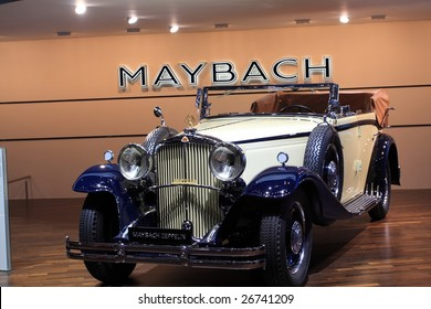 GENEVA - MARCH 7 : A Maybach car on display at 79th International Motor Show Palexpo-Geneva on March 7, 2009 in Geneva, Switzerland. More than 130 vehicles being introduced.