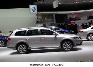 Passat Alltrack Usa >> Imagenes Fotos De Stock Y Vectores Sobre Volkswagen Passat
