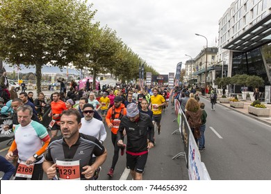 GENEVA, SWITZERLAND – OCTOBER 29, 2017: Athletes start the inaugural edition of the Geneva 20km race with 2200 participants.