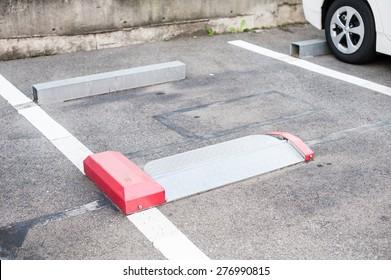 Genius car parking system at Japan.
