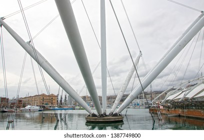 At Genova - Italy - On 04/01/2018 - Genoa harbor with  Bigo Panoramic Lift  situated in the middle of Genoa's Porto Antico.