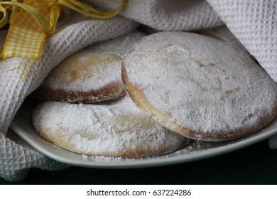 Genovesi ericine typical sicilian pastries