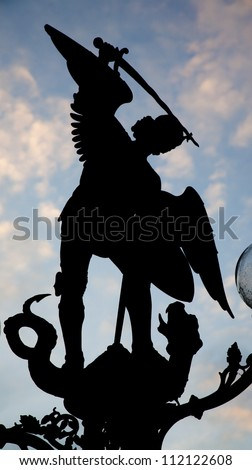 Gent silhouette of statue