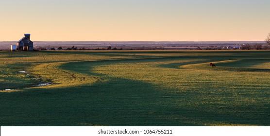 A gentle sunset over the prairie near Okarche, Oklahoma, USA