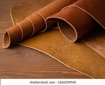 Genuine Leather. Sewing a purse. Leather work. Tools for sewing bags, wallets, clutches. Stitching. Manual sewing of the product. The manufacture of leather products.