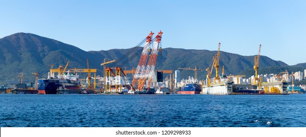 GEOJE ISLAND, SOUTH KOREA - OCTOBER 20, 2018 : Bay of Daewoo Shipbuilding and Marine Engineering (DSME) in Okpo city, The bay consists of Marine engineering facilities, ships and off shore platforms