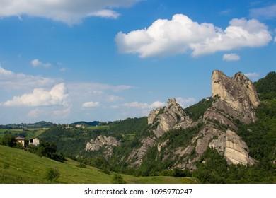 geological formations regional park sassi di rocca malatina emilia romagna