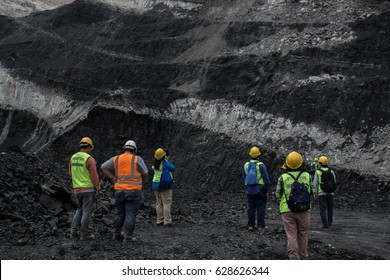 The geologist and engineer survey lignite coal mine