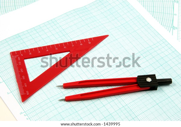 Geometric tools over a logarithmic graphic paper