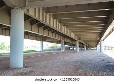 geometry of the overpass bridge, view under the bridge