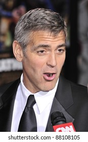 """George Clooney at the world premiere of his new movie """"Leatherheads"""" at Grauman's Chinese Theatre. March 31, 2008  Los Angeles, CA Picture: Paul Smith / Featureflash"""