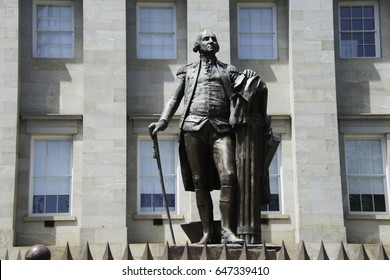 George Washington Statue at the State House in Raleigh, North Carolina.