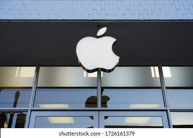 GEORGETOWN, DC -21 FEB 2020- View of an Apple store in Georgetown, Washington, DC.