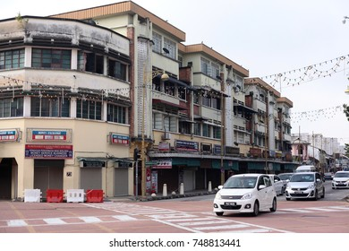 GEORGETOWN PENANG, MALAYSIA - 30 OCTOBER 2017 : Morning traffic in chulia street junction. Vehicles lined up on street and moving slowly.