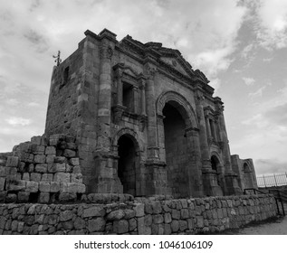 Gerasa ancient city in black and white