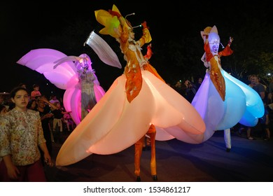 """German circus band """"Stelzen Art"""" perform during the International Circus Festival in Modii'in, Israel, on October17, 2019. The International Circus Festival is held in Modiin, Israel."""