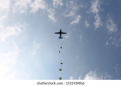 German paratroopers leaving the C 160 Tranall