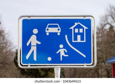 german road sign Game road