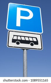 German road sign: parking facilities for busses only