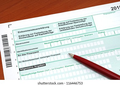 German tax form in front of a white background, official form, no copyright, no personal informations
