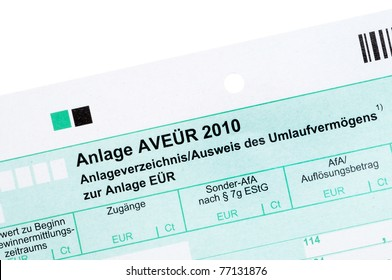 German tax form in front of a white background