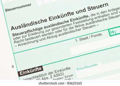 German tax form for income from abroad Einkuenfte und Steuern), official form of the German tax office