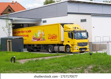 Germany , Döbern , 15.06.2020 , A truck at the loading ramp delivers goods for a discounter