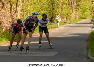 Germany, 22.04.2018, Spreewald village Burg , The top trio in skating just before a bend