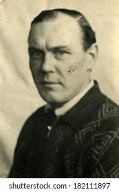 GERMANY - CIRCA 1940s: An antique stadio portrait of middle-aged man