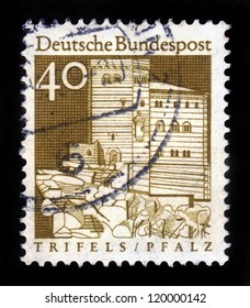 """GERMANY - CIRCA 1967: A stamp printed in Germany from the """"Historic Buildings"""" issue showing Trifels Fortress, Palatinate, ( Pfalz ) , circa 1967"""
