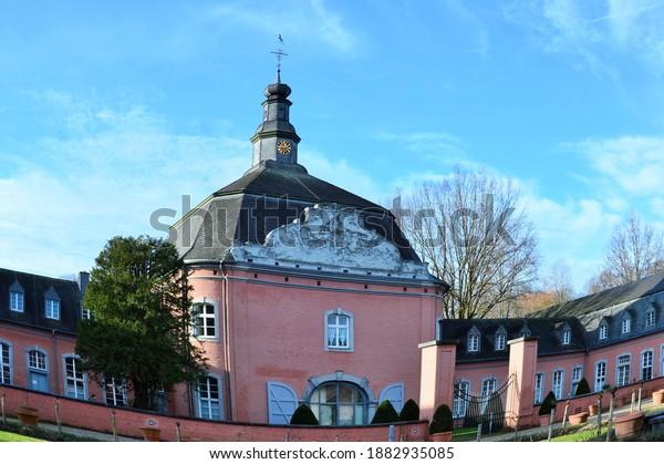 germany-december-2020-castle-wickrath-60