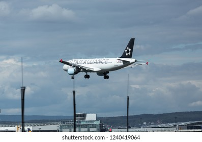 GERMANY, FRANKFURT - SEPTEMBER 04, 2015: Airbus A320-214, OE-LBX of Austrian Airlines (Star Alliance Livery) approach and landing at Frankfurt Airport