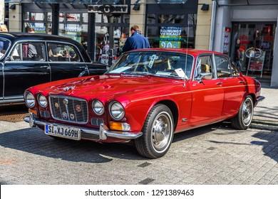 Royalty Free Jaguar Xj Images Stock Photos Vectors Shutterstock