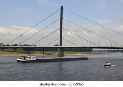Germany, North Rhine-Westphalia, Duesseldorf, ships on Rhine River