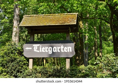 germanyjune-2016-sign-shows-direction-26