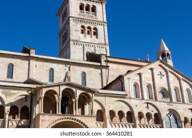 ghirlandina bell tower of the cathedral of modena heritage Romanesque