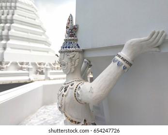 giant bear pagoda