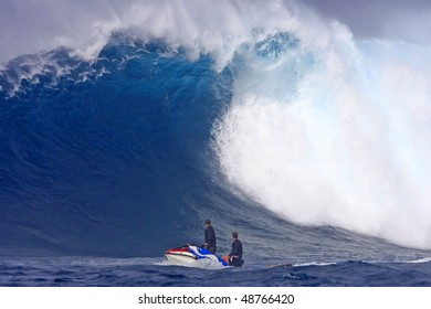 Giant Wave in Hawaii