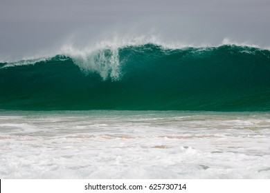 Giant wave hits the shore