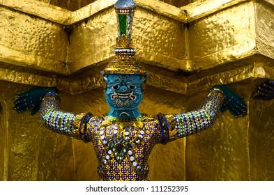 giant-buddha-in-grand-palace-bangkok-thailand