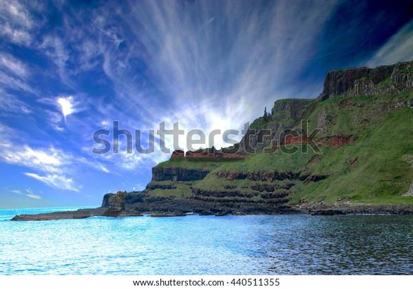 Giant's Causeway coastal walk mountain