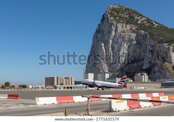 gibraltar-airport-airplane-taking-off-60