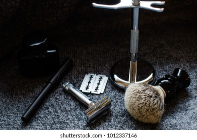 gift ideas for men for valentines and father's day include fountain pen, ink, shiny razor set, brush, shaving stand