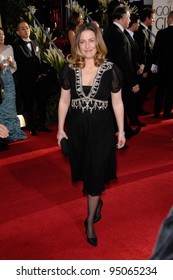 GILLIAN ANDERSON at the 64th Annual Golden Globe Awards at the Beverly Hilton Hotel. January 15, 2007 Beverly Hills, CA Picture: Paul Smith / Featureflash