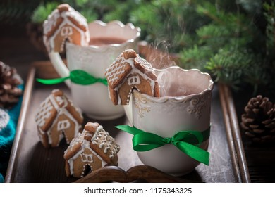 Gingerbread cottages with tasty cocoa for Christmas